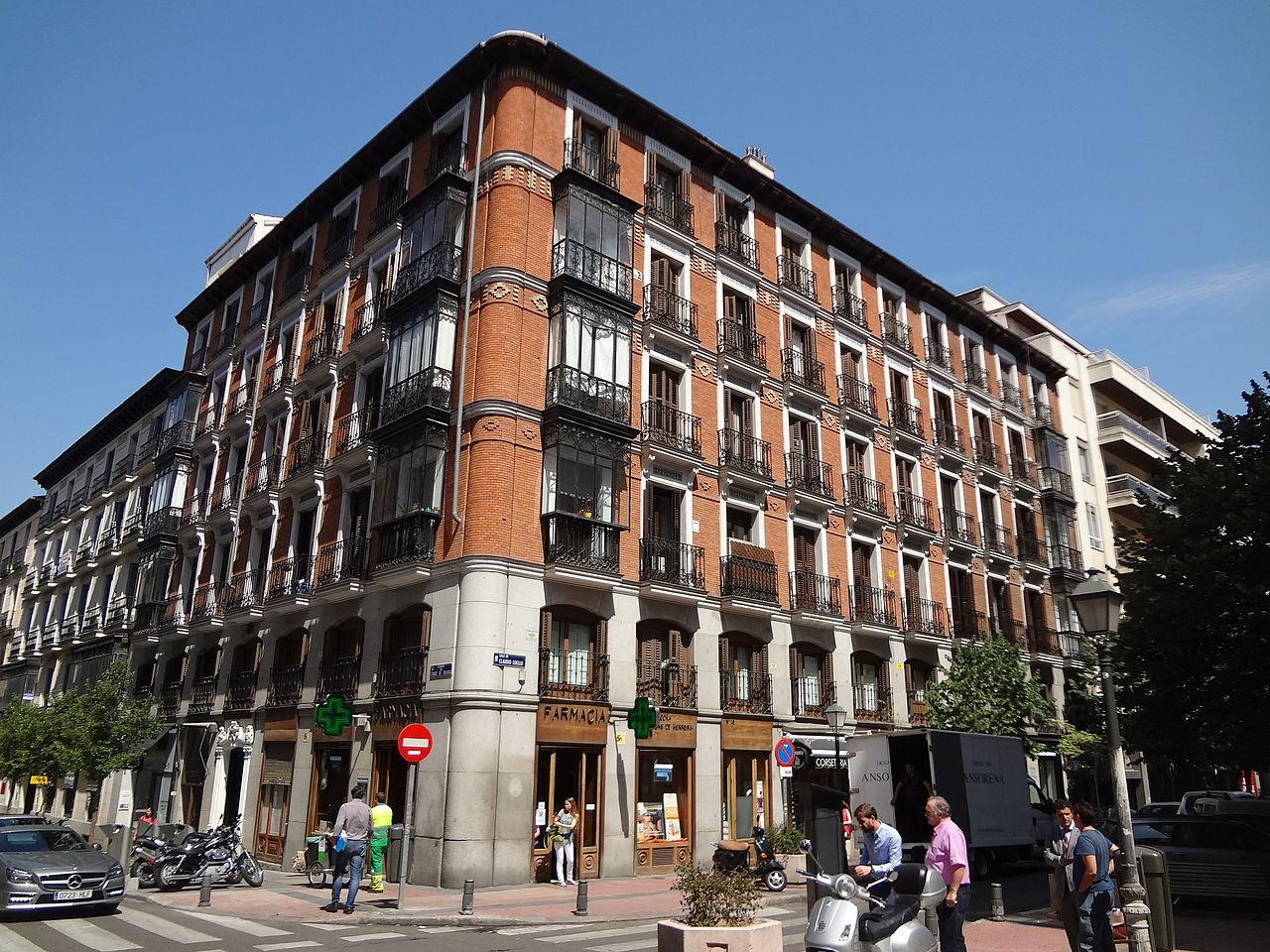 brick_building_barrio_de_salamanca_madrid_spain